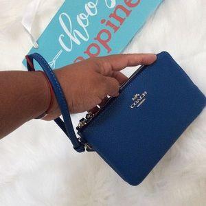 ✨Coach Double Zip Wristlet Wallet✨